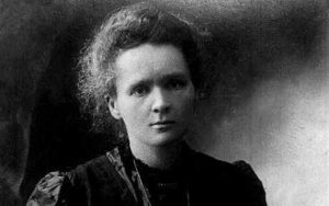 HEALTH Survey/Curie...EMBARGOED TO 0001 MONDAY MARCH 19, 2001 A PA library file picture dated 1913 of scientist Madame Marie Curie.